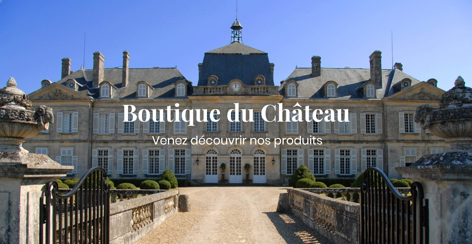 Château de Plassac des comtes de Dampierre, Vue de la cour principale